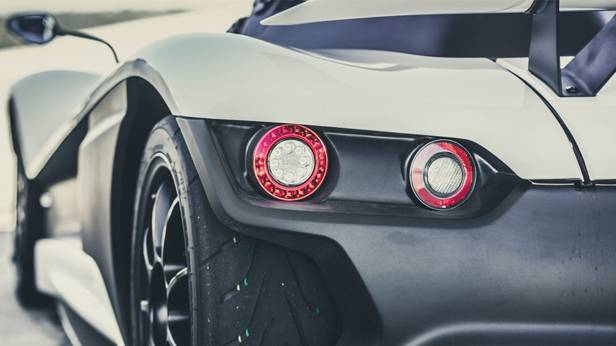 vuhl 05 roadster ecoboost weiß heckleuchte hinten detail