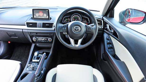 mazda 3 hybrid 2014 mazda3 rot innenraum cockpit