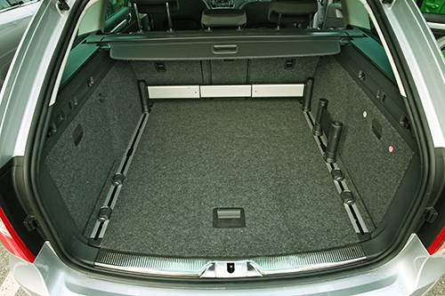 Skoda Superb Combi Elegance TDI Green Tec kofferraum innenraum
