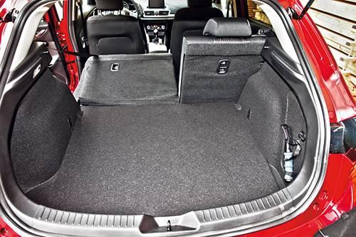 mazda3 sport g165 revolution rot kofferraum
