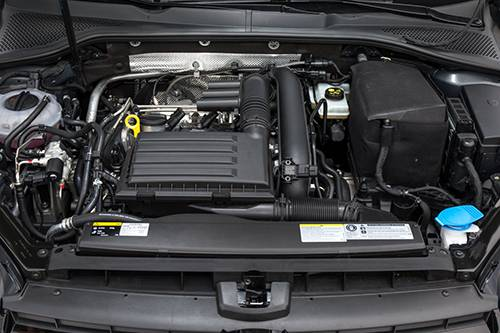 vw golf tgi erdgas motor motorraum