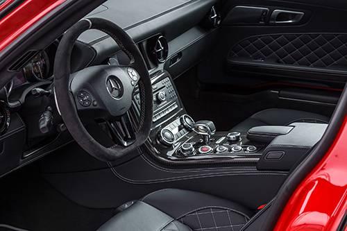Mercedes-Benz SLS AMG GT Final Edition rot innenraum interior cockpit