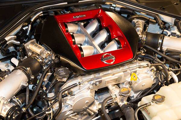 Nissan GT-R Nismo 2015 motor motorraum