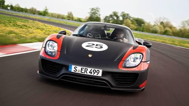 Porsche 918 Spyder hybrid front