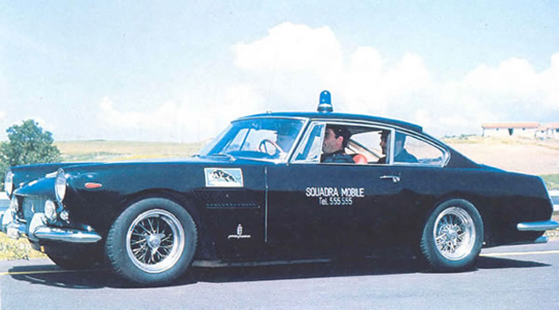 //// Ferrari im Polizei-Ornat