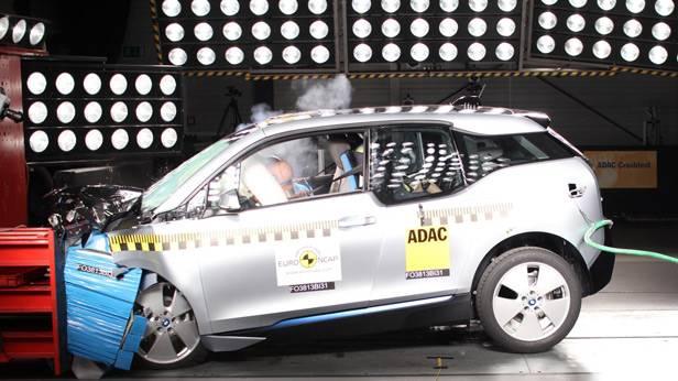 Der BMW i3 beim Crashtest