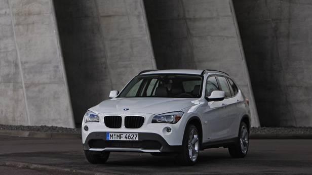 Der BMW X1 2009 in weiß