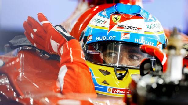 Ferando Alonso im Rennauto