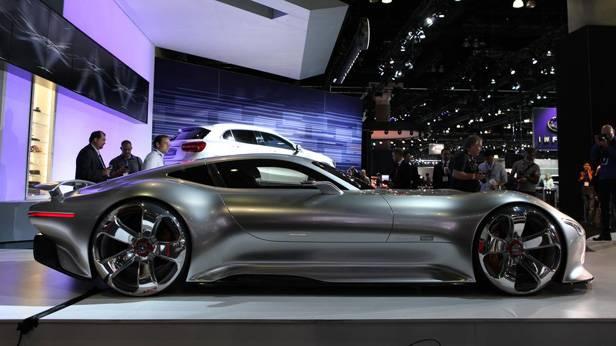 Der Mercedes GT6 auf der La Auto Show 2013