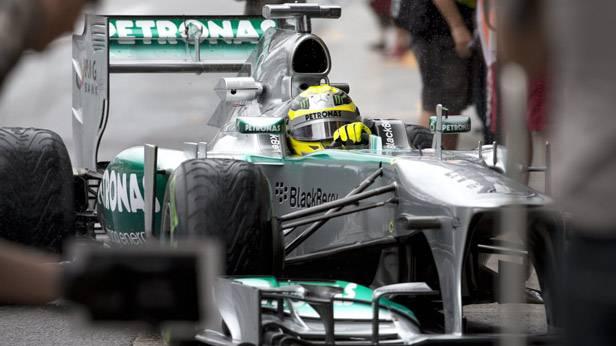 Nico Rosberg im Rennauto beim Training zum Grand Prix in Sao Paulo