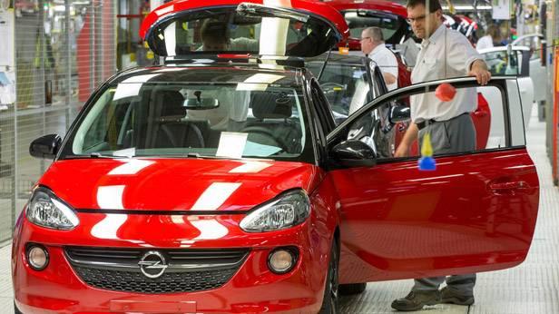 Der Opel Adam bei der Anfertigung im Werk in Eisenach