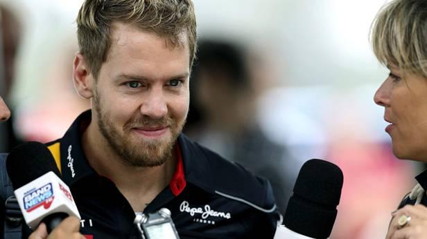 Sebastian Vettel wird von Journalisten beim GP von Brasilien interviewt