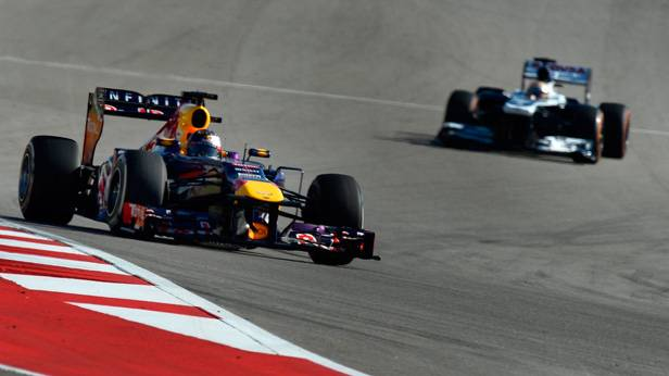 Sebastian Vettel und Nico Hulkenberg auf der Rennstrecke von Austin