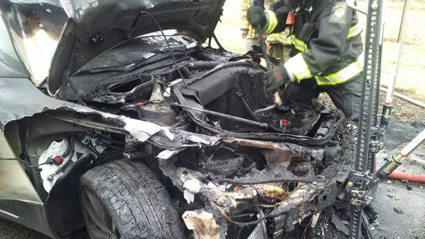 Durch im Internet aufgetauchte Fotos wurde der 3. Brand eines Model S in Smyrna, Tennessee bekannt.