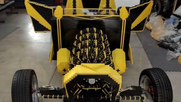 Das Auto aus Lego Raul Oaida Steve Sammartino LEgo Hot Rod