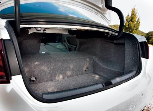 vw jetta hybrid kofferraum