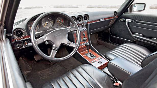 Mercedes r107 blau kaufberatung innenraum Cockpit