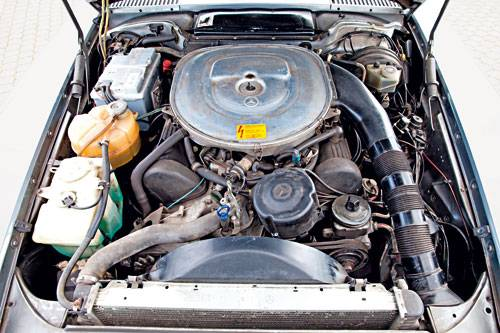 Mercedes r107 blau kaufberatung motor motorraum