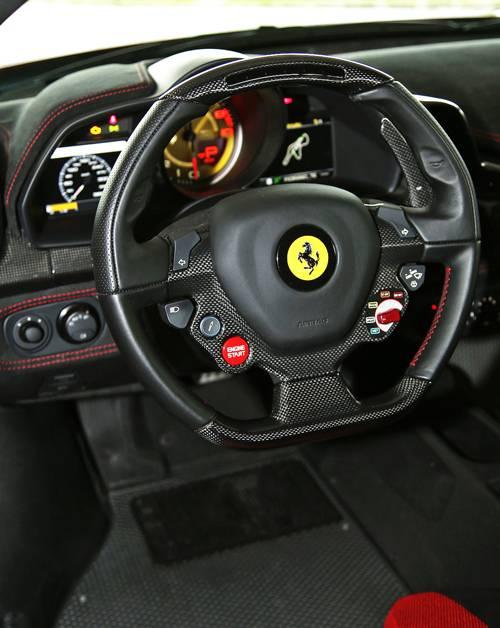 ferrari 458 speciale rot 2014 lenkrad innen armaturen