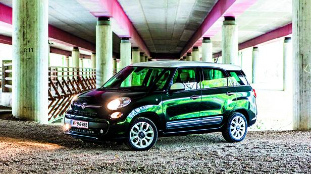 fahrbericht fiat 500l living 1 6 lounge im test. Black Bedroom Furniture Sets. Home Design Ideas