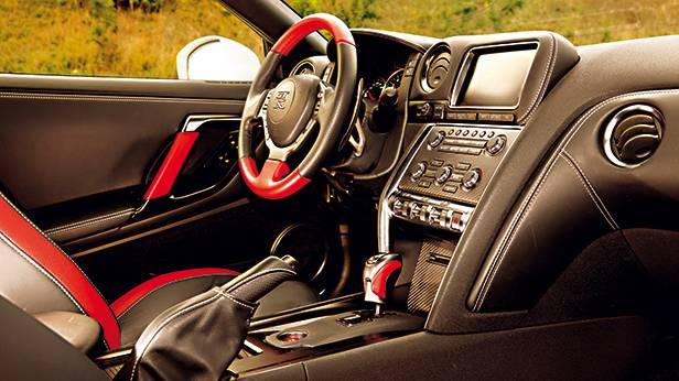 Nissan GT-R 2013 Premium Pack cockpit innen innenraum