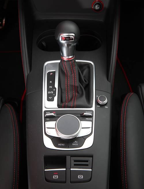 Audi S3 Sportback 2014 weiß mittelkonsole schalthebel s tronic