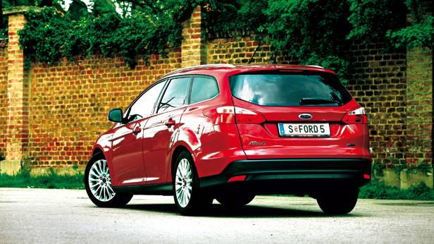 Ford Focus 1,0 EcoBoost Titanium Traveller rot 2012 heck hinten seite