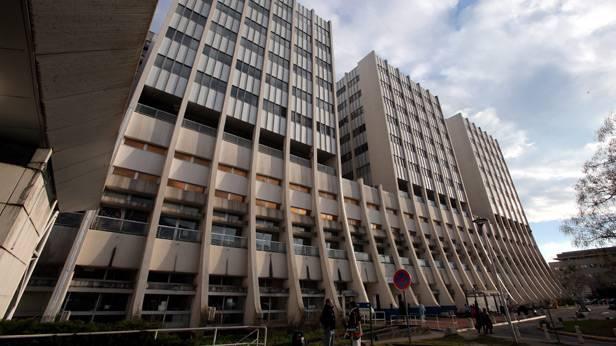 Das Centre Hospitalier Universitaire von außen