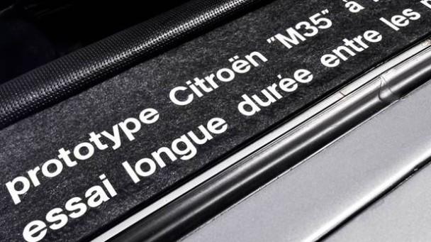 Der Citroen M35 außen