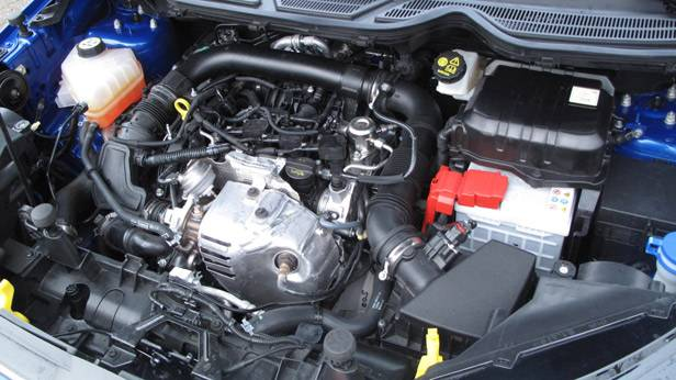 _Ford-Ecosport-1-motorraum