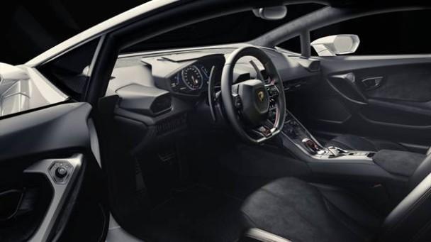 Der Lamborghini Huracan innen