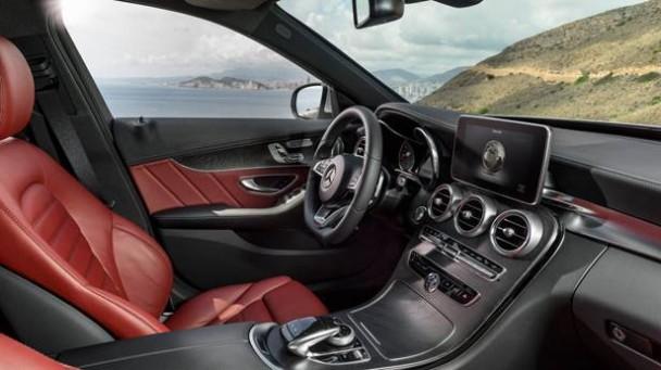 _Mercedes-C-Klasse-Jahrgang-2014-innen