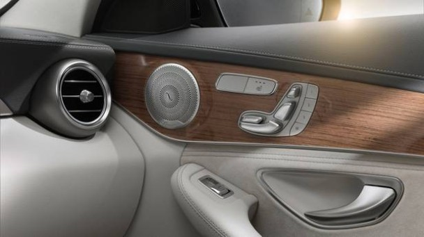 _Mercedes-C-Klasse-Jahrgang-2014-ture