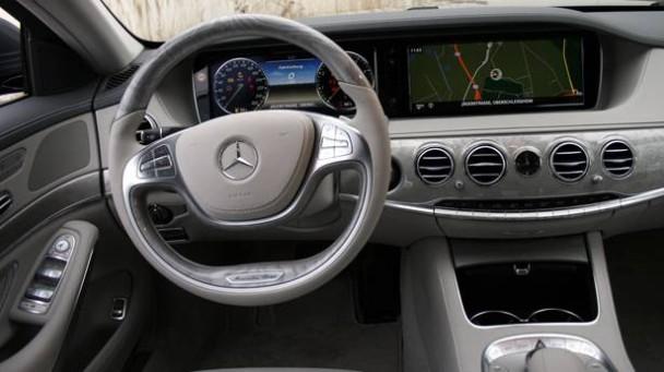 _Mercedes-S-500-innen