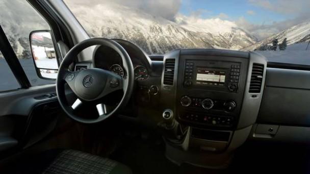 _Mercedes-Sprinter-Vito-4x4innen