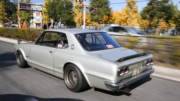 Der Nissan Skyline 2000 GT-R von hinten