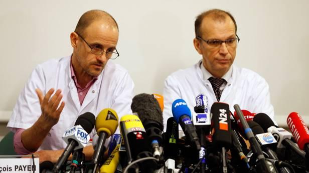 Chef der Anästhesie-Abteilung, Jean-Francois Payen und Emmanuel Gay. (c) REUTERS/Charles Platiau