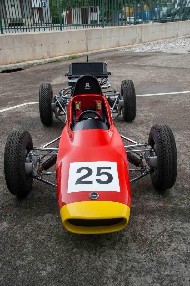Der Seat Formula 1430 von vorne