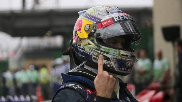 Sebastian Vettel feiert nach seinem Sieg in Brasilien