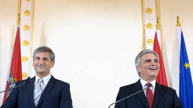 Spindelegger und Faymann bei der Pressekonferenz zur Neuauflage der Koalition.