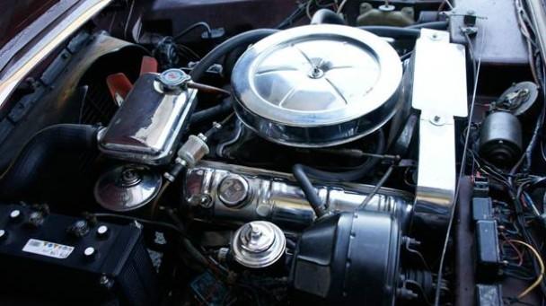 _Studebaker-Avanti-motor