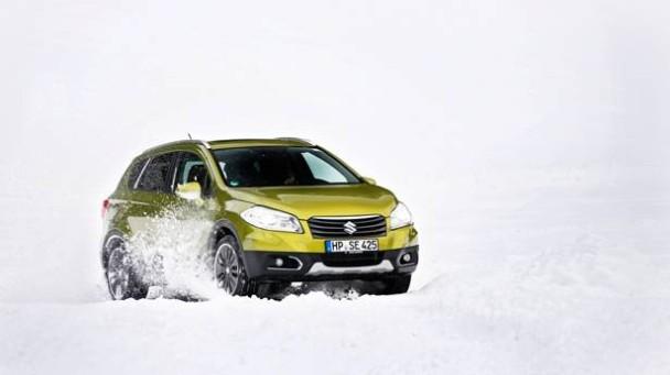 _Suzuki-SX4-S-Cross-1.6-4WD-schnee-front