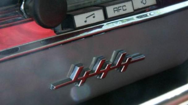 _Volvo-PV444-radio