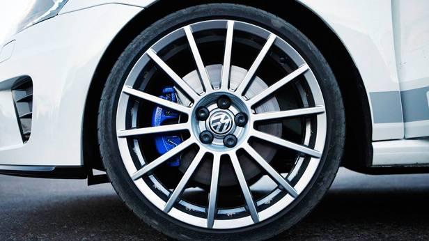 Der VW Polo WRC 1815 die Reifen