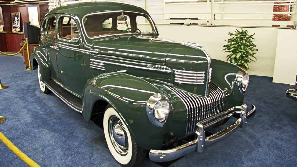 1939er Chrysler Royale Sedan King of Late Night