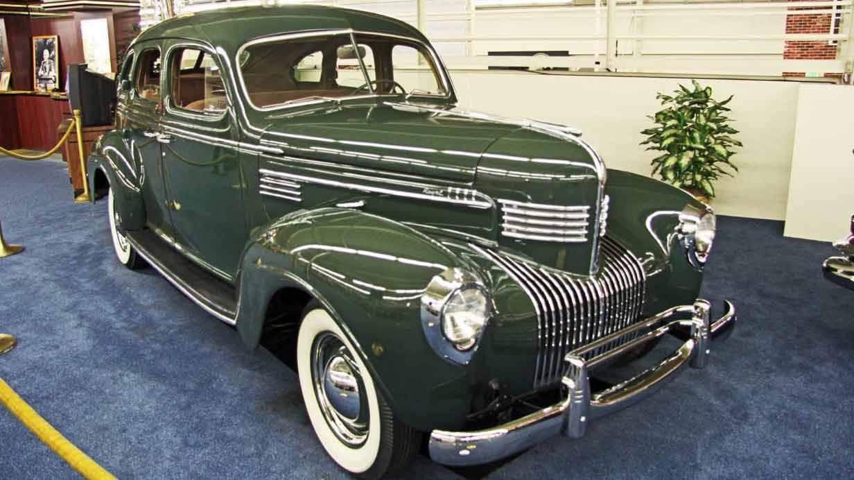 1939er Chrysler Royale Sedan King of Late Night