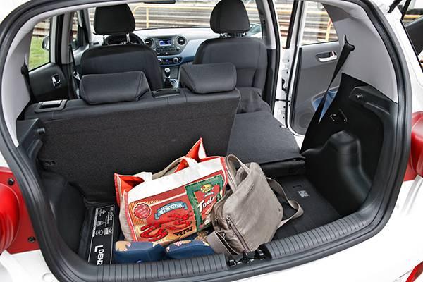 hyundai i10 premium weiß 2014 kofferraum innen
