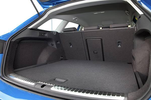 seat leon st fr blau 2014 kofferraum
