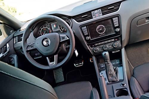 Combi RS TDI TSI Vergleich cockpit innenraum