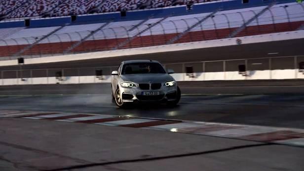 BMW 235i driftet von allein